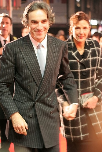daniel day lewis pinstripe suit with wife