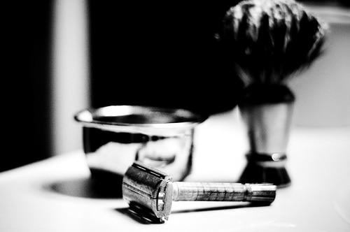 safety razor shaving set brush black white