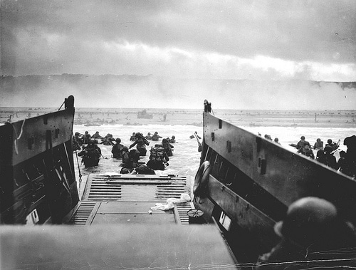 d-day normandy boats soldiers storming beach wwii