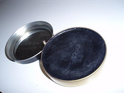 kiwi paradise gloss black shoe polish
