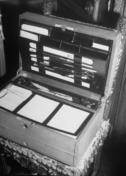 Vintage stationery of letter set.