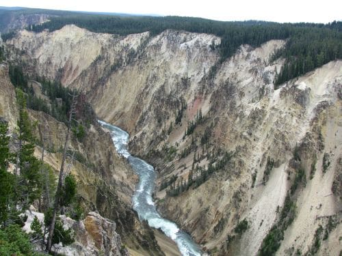 yellowstone canyon scenery backpacking in wild nature