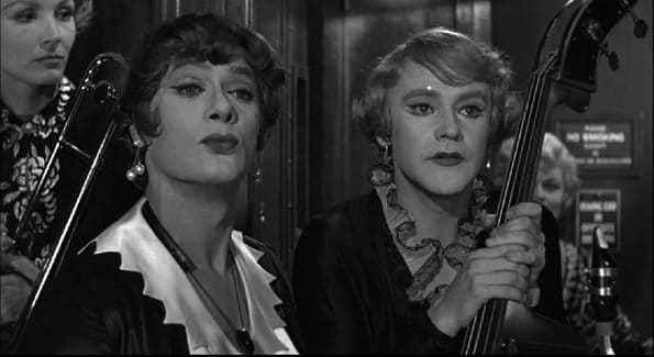 Jack Lemmon and Tony Curtis in movie Some Like It Hot.
