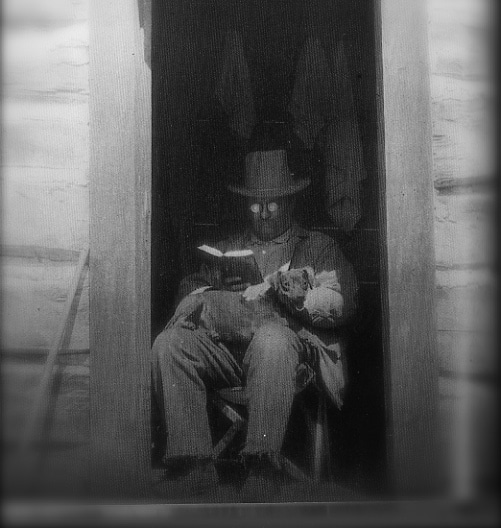 theodore roosevelt reading a book speed reader