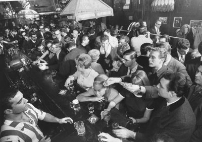 vintage busy bar how to get a drink