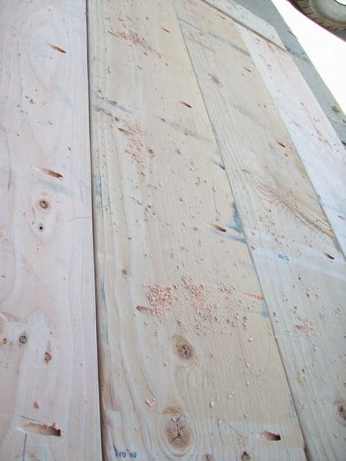 drilling pocket holes in boards lumber for woodworking