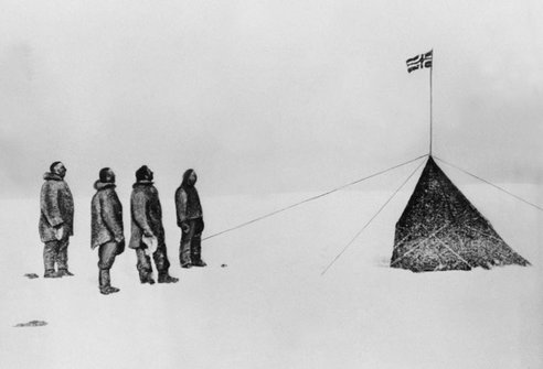 amundsen explorer at south pole with crew