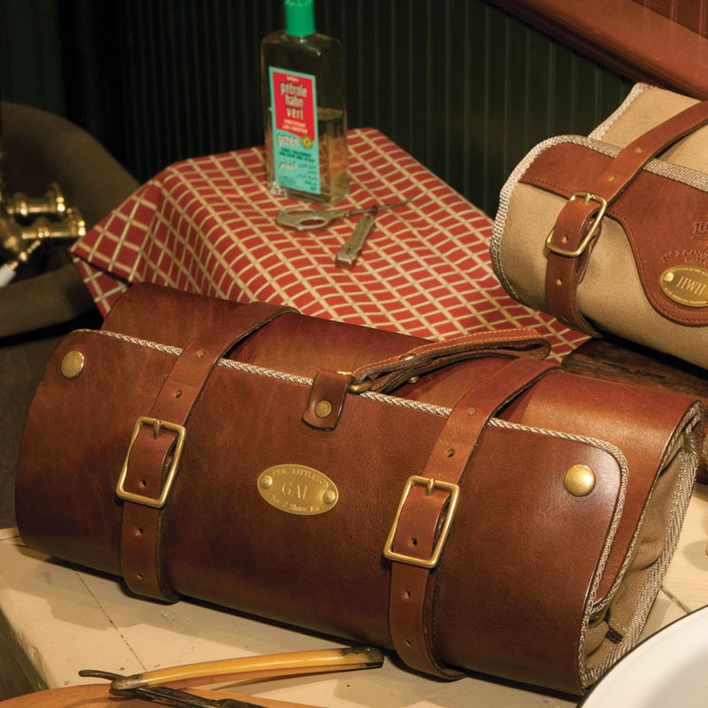 Col littleton leather dopp kit.