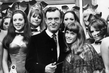 young hugh hefner with playboy models women