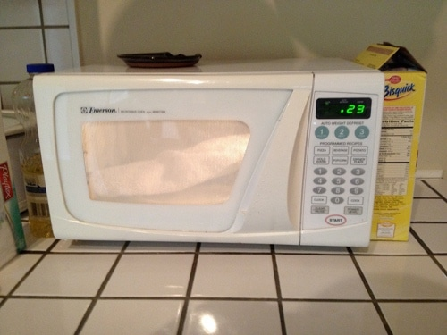Vintage setting the limit of microwave on 30 seconds.
