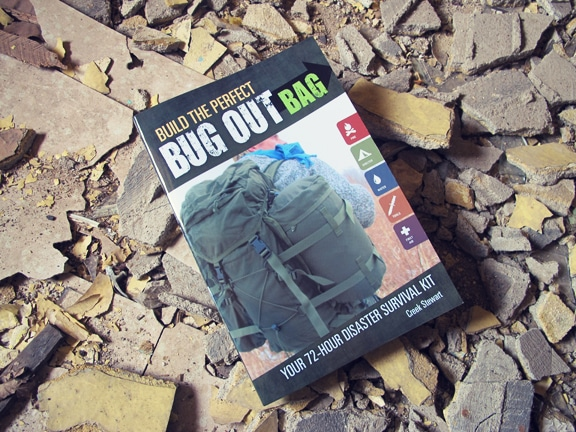 Book cover of Bug Out Bag by Creek Stewart.