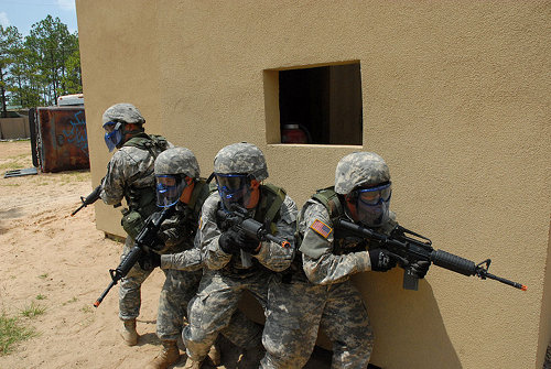 us army soldiers training with airsoft rifles