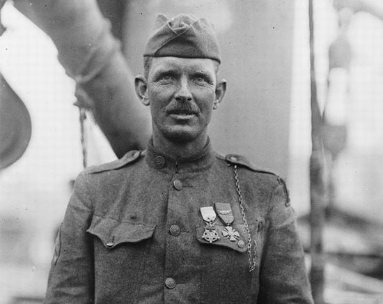 Alvin York soldier in full uniform.