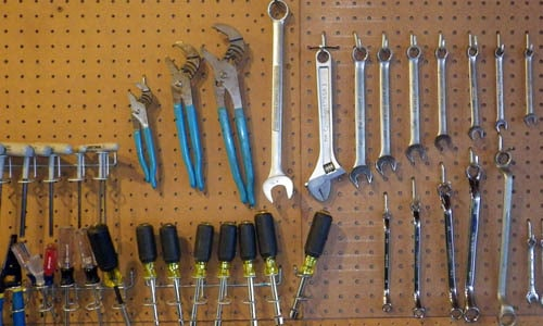 How To Turn Your Garage Into A Blacksmithing Woodworking Shop