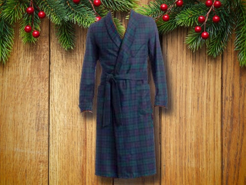 Pendleton  woolen mills robe with christmas background.