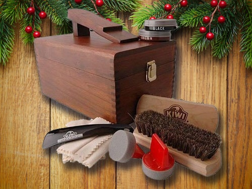 Shoe shine kit with christmas background.