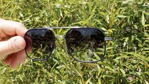 aviator sunglasses shades with gradated lenses