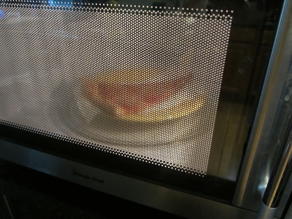 pizza reheating in microwave