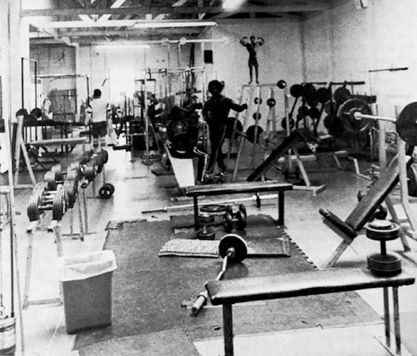 vintage 1950s old school gym dumbbells barbells benches