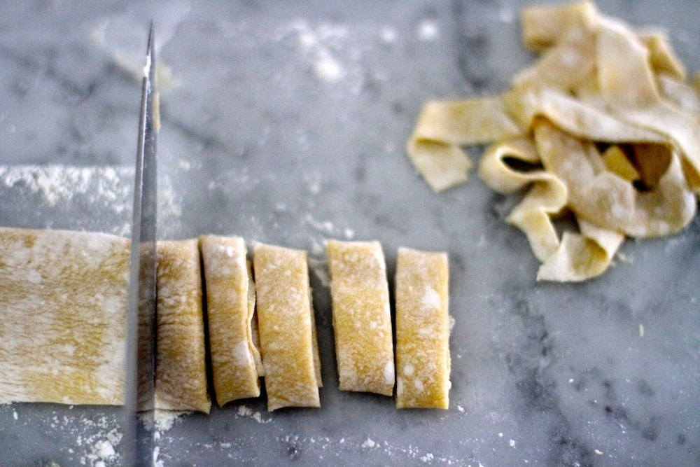 cutting slicing homemade pasta noodles