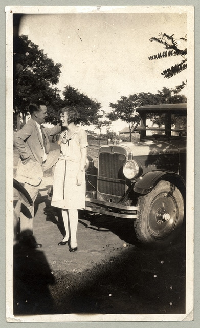 couple on a date in the 20s