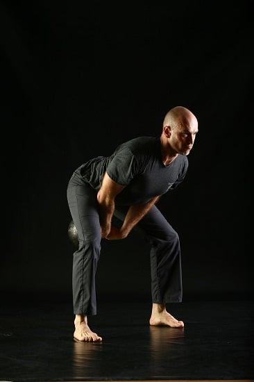 kettlebell swing swinging weight through legs