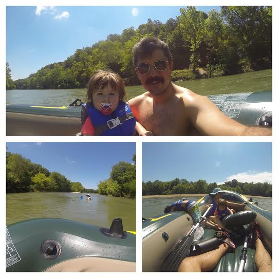 family rafting on illinois river