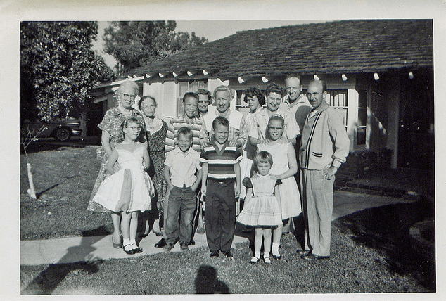 vintage large 1940s 1950s family