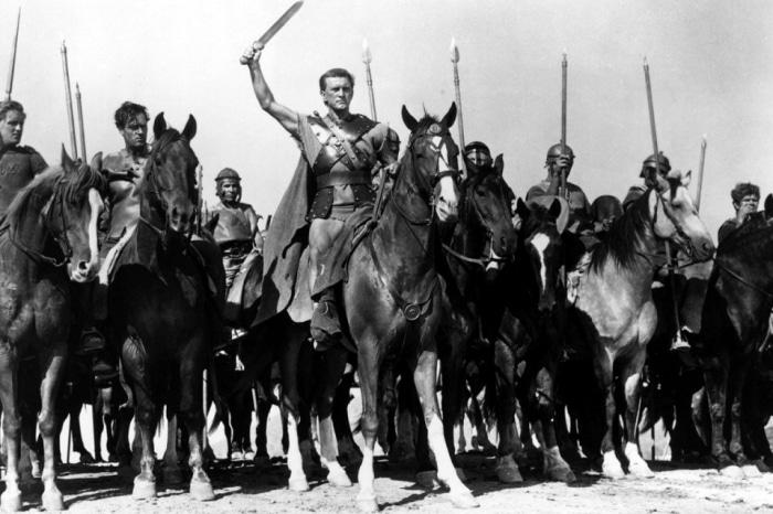 Kirk douglas spartacus movie 1960 leading gladiators.