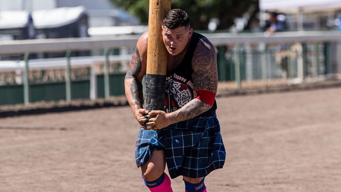 matt vincent highland games carrying pillar competition