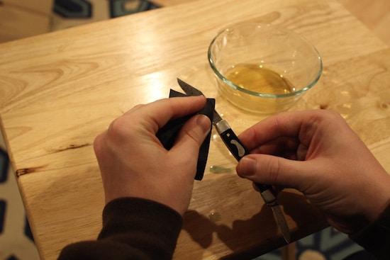 restore antique vintage pocket knife scrub with sandpaper