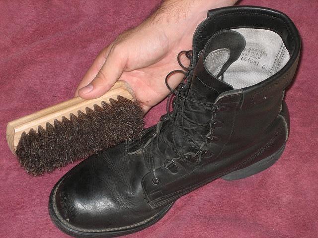 Boot and brush.