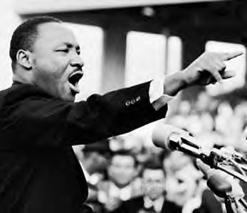 martin luther king giving speech pointing finger