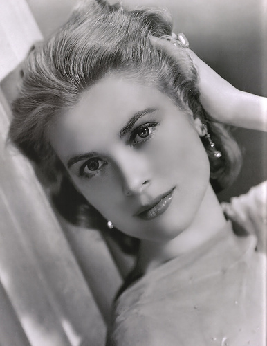 grace kelly portrait head shot movie star
