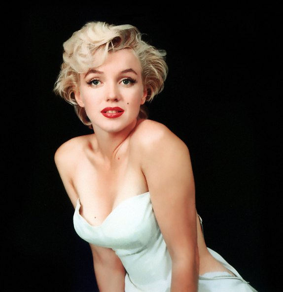 marilyn monroe in white dress red lipstick