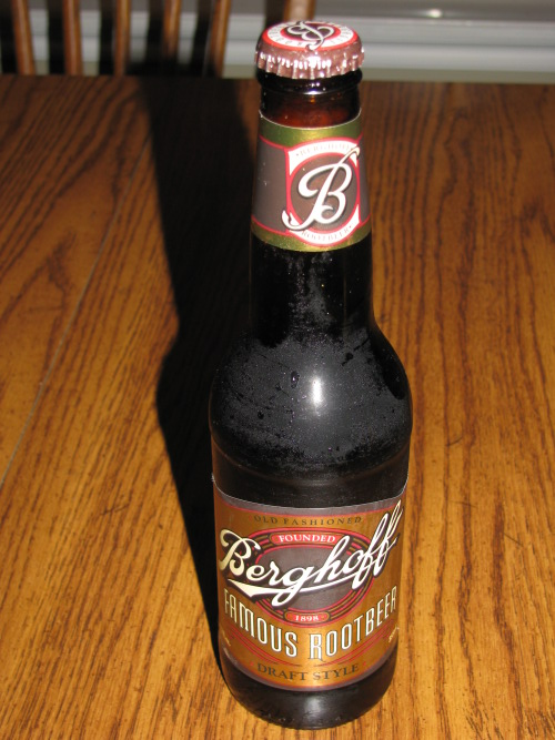 berghoff root beer review bottle