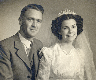 vintage couple wedding portrait 1940s husband wife
