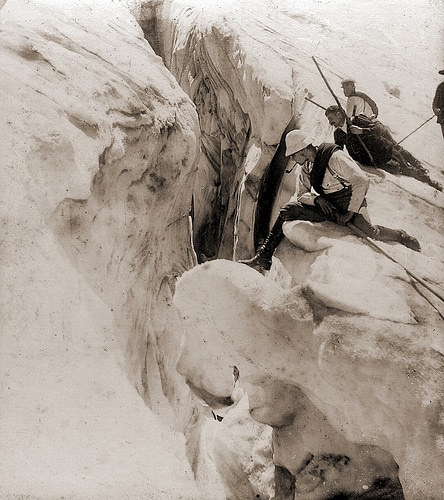 vintage mountaineers climbers smoking pipe early 1900s