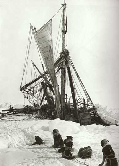 A ship stucked in a snow.