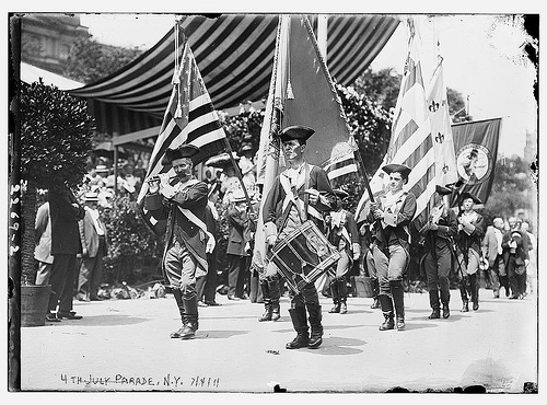 Vintage revolutionary war 4th july parade early 1900s.