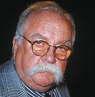wilford brimley headshot famous mustache facial hair