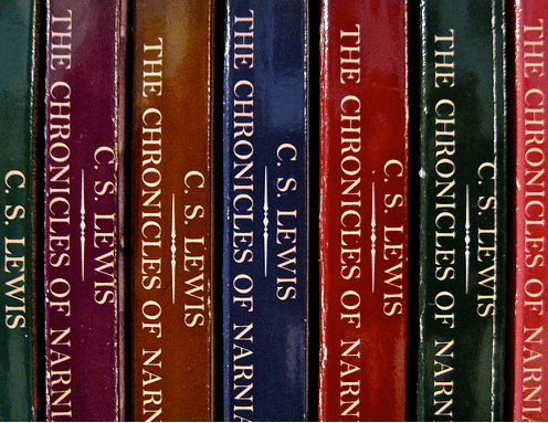 "Book cover of ""The Chronicles Of Narnia"" by C.S.Lewis ."
