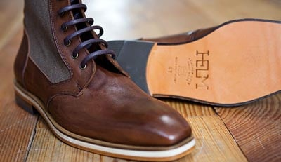 Semi-casual boots brown canvas patch.
