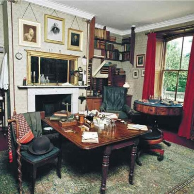 charles darwin study in kent england