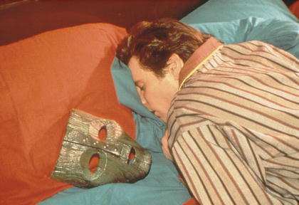 jim carrey the mask movie lying in bed