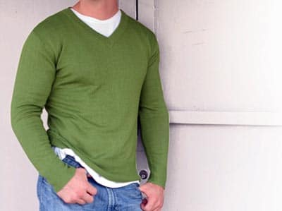 Mens V-neck sweater example green shirt jeans