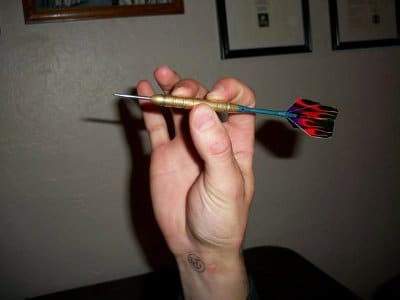 gripping dart arrow for dart board throwing