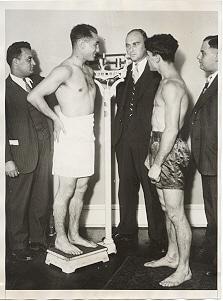 vintage amateur boxers weighing in