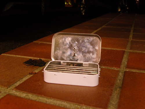 altoid tin recycled diy portable bbq stove