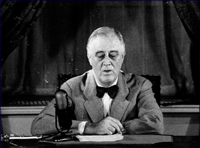 fdr franklin roosevelt giving speech sitting bowtie